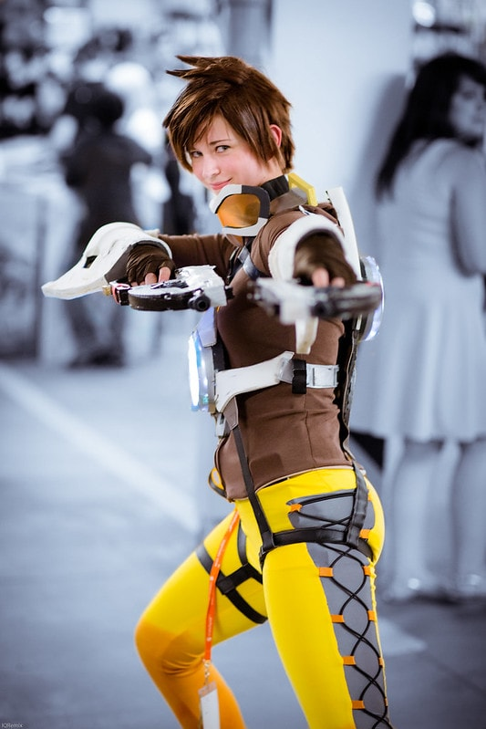 Tracer Cosplay from Overwatch