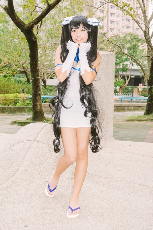 Hestia (black hair cosplay)