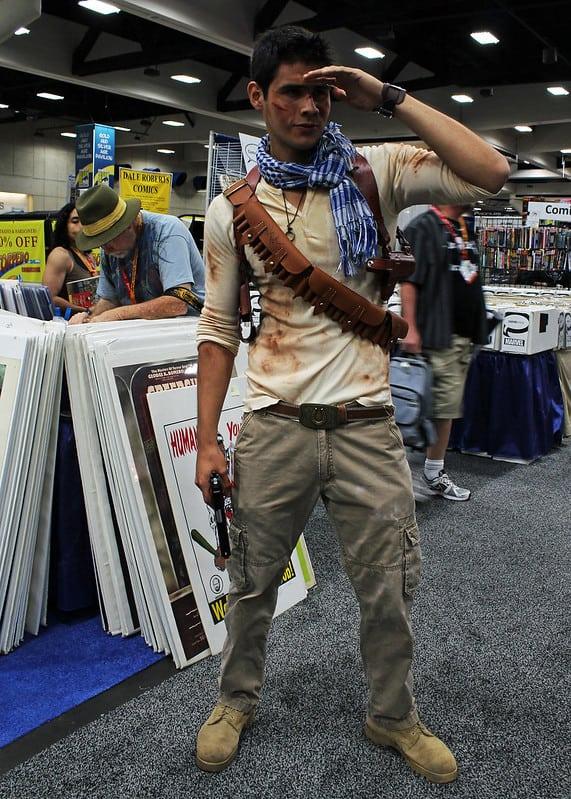 Nathan Drake (closet cosplay)